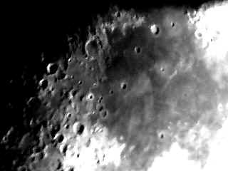 moon18ps.jpg (24888 bytes)